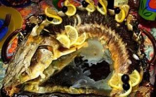 Стерлядь, запечённая целиком — рыбные рецепты