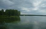 Теплое озеро — место для рыбака