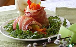 Филе белой рыбы, запеченное с зеленью и беконом — рыбные рецепты