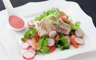Рыбный салат с вишневым соусом — рыбные рецепты